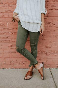 Olive Destroyed Skinny Jeans | ROOLEE