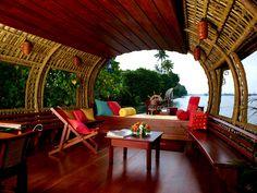a house boat in Kerala, India House Boat Kerala, Kerala Houses, Boat House, Cochin, Luxury Houseboats, Houseboat Living, Houseboat Decor, Houseboat Rentals, Destinations