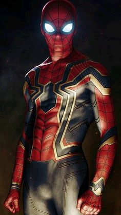The new suit of spider man in Avengers infinity war. Marvel Comics, Marvel Dc, Marvel Heroes, Captain Marvel, Marvel Wallpaper, Man Wallpaper, Amazing Spiderman, Marvel Characters, Marvel Cinematic Universe