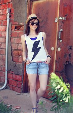 Lightning Bolt Top  - cute summer outfit