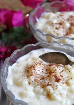 Creamy Rice Pudding So easy, NO STOVE TOP COOKING! Just put everything in an overproof dish and bake! Rice Pudding a 3 year old can make. Creamiest Rice Pudding Recipe, Easy Rice Pudding, Pudding Recipes, No Bake Rice Pudding Recipe, Homemade Rice Pudding, Easy Desserts, Delicious Desserts, Dessert Recipes, Tasty Meals