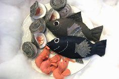 Felt food clams, shrimp, fish, via Flickr.