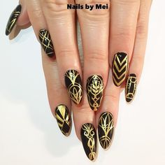 Instagram media by ciaomanhattan2012 - Black and Gold inspired by @beyonce for @juliareis89 #NailsByMei #handpainted #artdeco #gelnails #meisfavorite