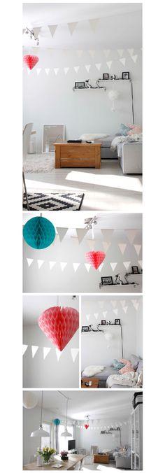 Koti puettuna juhla-asuunsa :) Viirit on askarreltu ja kennokoristeet löytyi Ikeasta. Helppoa ja söpöä!