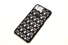 3D printed skull iPhone6 case.