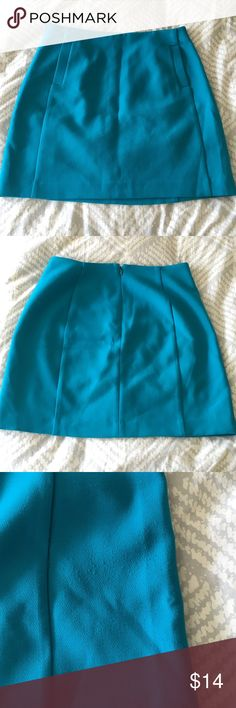 """BR mini skirt BR teal mini skirt with two front pockets. Beautiful jewel tone saturated color.  15"""" across waistband, 17"""" long. Back zip.  Size tag 6p, fits like a 4 regular.  Some minor pilling on one side, visible in the 3rd photo. Banana Republic Skirts Mini"""