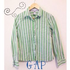 GAP Stretch Long Sleeve Button Down Trendy stripes, with pretty colors! Perfect button down, from their stretch line.                                                                                        No trades  No paypal                                                                          ♥️Size: Small   ♥️No rips or stains GAP Tops Button Down Shirts
