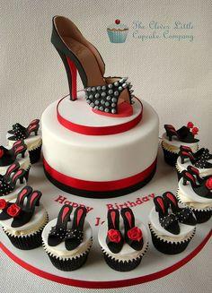 """La nostra cara amica Simona """"crazy for shoes"""" oggi compie gli anni , le volevamo fare un augurio particolare!"""