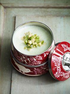 Gurkensuppe mit Dill und Avocado (kalt) | http://eatsmarter.de/rezepte/beerenkaltschale-2