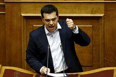 Alexis Tsipras: Zu hoch gepokert - Es hat sich schon einmal ein griechischer Premier mit der Ankündigung einer Volksabstimmung gehörig die Finger verbrannt: Die Ankündigung eines Referendums kostete den sozialistischen Regierungschef Giorgos Papandreou das Amt. Mehr zur Person: http://www.nachrichten.at/nachrichten/meinung/menschen/Alexis-Tsipras-Zu-hoch-gepokert;art111731,1877613 (Bild: Reuters)