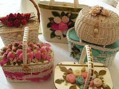 Baskets - I love these! (I used to have something very similar with seashells on top!)