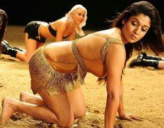 Nayanthara hot hip show