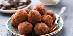 A nyár legfinomabb desszertje, amihez csak 2 hozzávaló kell Decadent Chocolate, Delicious Chocolate, Anne Sophie Pic, Artisan Chocolatier, Medium Recipe, Raspberry Liqueur, Valentines Day Chocolates, Tray Bakes, Sweet Treats