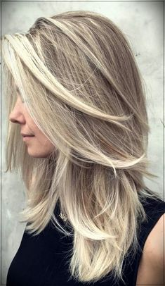 Trendy Haircut Waterfall Ideas for the Elegant Image - trendy haircut - Frisuren Haircuts For Medium Hair, Long Layered Haircuts, Haircut For Thick Hair, Trendy Haircuts, Medium Hair Cuts, Long Hair Cuts, Medium Hair Styles, Straight Hairstyles, Short Hair Styles