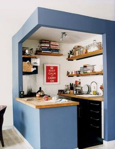 Small nook kitchen isolated with different wall color - kitchen design || @pattonmelo