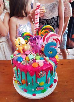 My little pony birthday cake - so much fun to eat and eat! - My little pony birthday cake – so much fun to eat and eat! My Little Pony Party, Bolo My Little Pony, Little Girl Birthday Cakes, Cake Birthday, 5th Birthday, Rainbow Treats, Girl Cakes, Dessert, Cake Kids