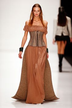 Game of Thrones-tastic!   The 31 Wildest Looks From Russian Fashion Week