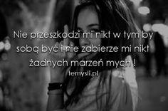 Przestać czuć, przestać myśleć, przestać oddychać.. - Mała, smutna dziewczynka, która zgubiła gdzieś część siebie odpowiedzialną za szczęście .. - bloog.pl