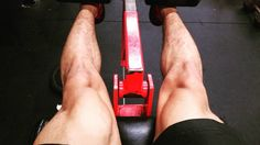 Trying to build these quads #gym #legs #fitness #physiques #fizzycal #fitlondoners #natty #bodybuilding by allcore_calisthenics