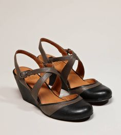Pretty mousetrap low wedges by #AmericanEagleOutfitters