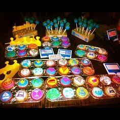 Yum! Cupcakes & Cake Pops @4sqLA #4sqDay #4sqdayLA