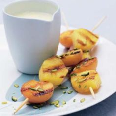 Brochetas de frutas con chocolate y azahar  #recipes #cuisine