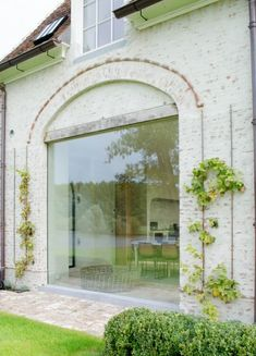 House in Belgium Garden Architecture, Architecture Details, Ventana Windows, Barn Renovation, Inside Outside, House Landscape, Brick And Stone, Prefab Homes, Architectural Elements