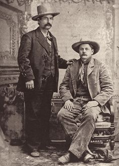 Tony Neis (left) and Robert Olinger celebrated their nomination as deputy U. marshals to escort the famous Billy the Kid to his trial in La Mesilla by having their photo made in Santa Fe. Western Comics, Pat Garrett, Old West Outlaws, Police News, Old West Photos, Tintype Photos, Billy The Kids, Cowboys And Indians, Old Newspaper
