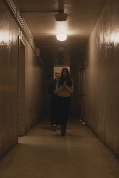 James McAvoy and Anya Taylor-Joy in Split Scary Movies, New Movies, Horror Movies, Good Movies, Anya Taylor Joy Split, Movies Showing, Movies And Tv Shows, Split Movie, Celebrity