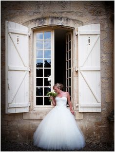 Sassi Holford daisy dress on French Wedding Style Blog with © Lydia Taylor-Jones Photography