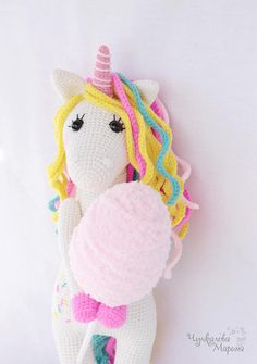 This crochet amigurumi unicorn pattern will make you all warm and fuzzy inside. With detailed, step by step instructions, you will make your own adorable amigurumi unicorn. Unicorn Doll, Crochet Unicorn, Crafts For Kids To Make, Kids Crafts, Craft Desk, Unicorn Pattern, Crochet Amigurumi, Sand Crafts, Crochet Patterns Amigurumi