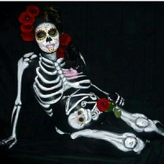 Beautiful body paint. Dia de los muertos