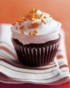 Easiest Cupcakes // Chocolate Cupcakes Recipe