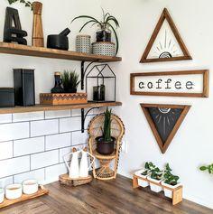 Natural Wood Decor, Wood Home Decor, Diy Home Decor, Earthy Home Decor, Art Decor, Boho Kitchen, Kitchen Design, Kitchen Wood, Modern Kitchen Wall Decor