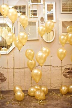 balloons at different heights! very important to help decorate the rest of the room
