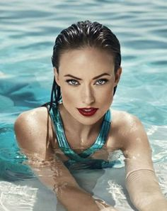Olivia Wilde, photo by Norman Jean Roy, Vanity Fair, 2010 Beautiful Eyes, Gorgeous Women, Beautiful People, Gorgeous Gorgeous, Simply Beautiful, Die Wilde 13, Norman Jean Roy, Photographie Portrait Inspiration, Pool Photography