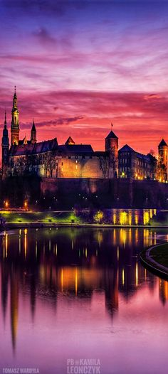 Wawel Castle, Kraków - Poland Poland Germany, Krakow Poland, Poland Travel, Beautiful Castles, Beautiful Places In The World, Historical Architecture, Winter Travel, Budapest, Places To See