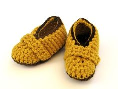 Crochet These Easy Golden Baby Booties: Baby booties work up quick, so you can make several pairs in no time.