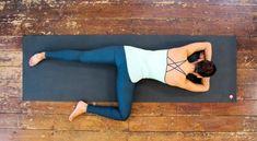 "Minden gerincproblémát megold a ""krokodil torna""! All Yoga Poses, Hip Opening Yoga, Hip Openers, Yoga Videos, Asana, Guinea Pigs, Pilates, Health Fitness, Exercise"