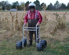 Funny Photo of senior with all-terrain walker - Senior Humor Senior Humor, Redneck Humor, Fraggle Rock, Old Folks, Young At Heart, Aging Gracefully, Getting Old, Funny Photos, Laugh Out Loud