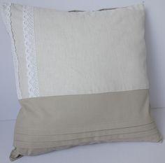 Rustykalna beżowa poduszka dekoracyjna z koronką  w Poduszki  Pillows  Oveillers  Kissen Almohadaus Cuscini Kusseus by KakaduArt na DaWanda.com