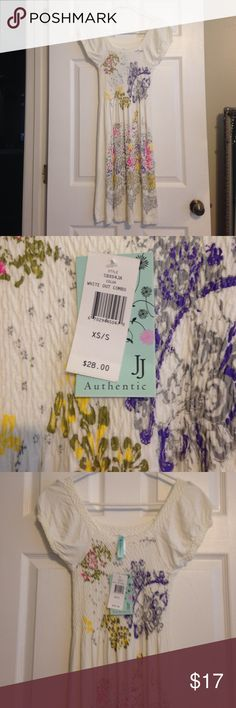 NWT!!! LOWEST PRICE!! XS/S WHITE SCOOPNECK MIDI DRESS WITH FLORAL PRINT BTHIS IS NWT JJ AUTHENTIC Dresses Midi