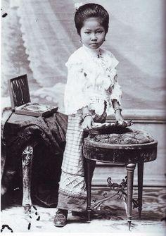 Lanna Princess Soidara Siroros (Princess Buathip Na Chiengmai's daughter)  เจ้าสร้อยดารา สิโรรส พระธิดาเจ้าบัวทิพย์ ณ เชียงใหม่