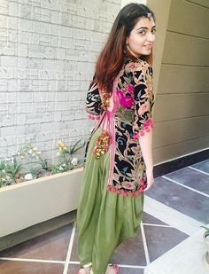 indian fashion Anarkali -- Click VISIT link above to read Kurta Designs, Short Kurti Designs, Blouse Designs, Pakistani Dresses, Indian Dresses, Indian Outfits, Indian Attire, Indian Ethnic Wear, Couture