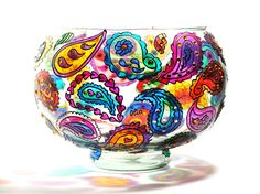 Hand-painted paisley patterns on a glass bowl. #handmade #glass #handpainted