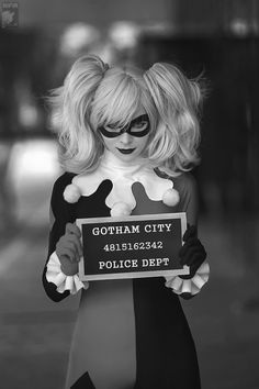 Harley Quinn cosplay that could completely work for Halloween, too. #Batman #costumes #Halloween
