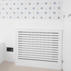 Tapa radiador lacado en blanco . Soluciones calidas para días de frío ❄ 😜😜 . . #fusteriaalopez #fuster #fusteria #carpintero #carpinteria #madera #carpenter #carpentry #wood #fusta #beautifulhomes #lovely #hogar #design #diseño #disseny #taparadiador #amedida #like #love #exclusivo #cute #interiorisme #kids #infantil #room #habitacion