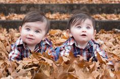 Play in the leaves: | 34 Beautiful And Creative Photography Ideas For Twins
