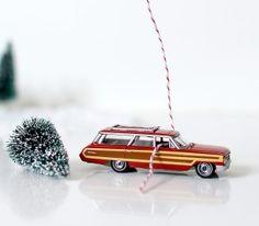 Mason Jar Craft for Christmas: Car In Jar Snow Globe