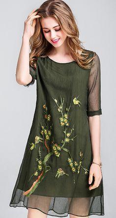Vintage Embroidery O-Neck Half Sleeve Big Hem Shift Dress